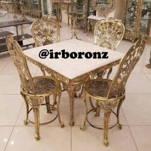 میز ناهار خوری چهار نفری برنجی مدل میز مربع صندلی حلقه دار