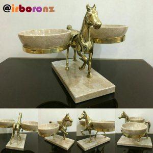اسب برنزی دو پیاله سنگی