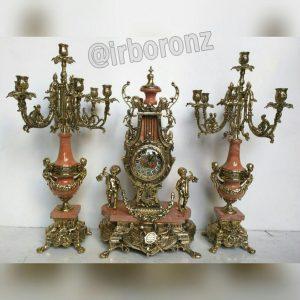 ساعت و شمعدان خروسی در رنگهای مختلف