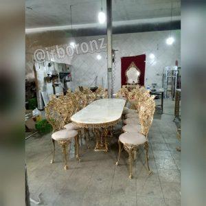 میز ناهارخوری برنج برنزی ۱۲ نفره بیضی مدل پایه اسبی با صندلی بزرگ سلطنتی