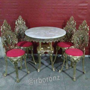 میز ناهارخوری ۴ نفره برنزی مدل چهارپایه صندلی با پارچه قرمز